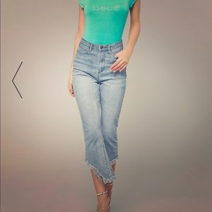 BNWT sz 30 Bebe Frayed and Flared Crop Jeans
